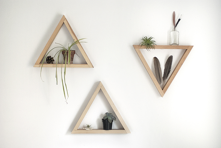 WoodTriangleShelf1