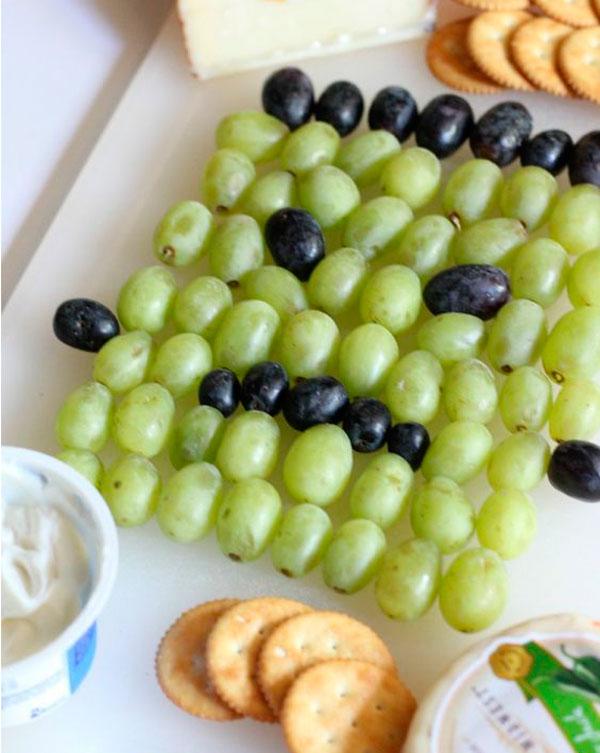 comida sana receta fácil presentación fruta monstruo halloween healthy uvas merienda
