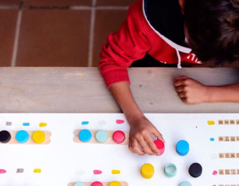 colores, juego, juguete educativo, educar, diy, tutorial, el tarro de ideas, bezoya, reciclaje, eco